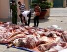 """Bắt """"nóng"""" hơn 1 tấn thịt heo thối đang trên đường ... ra chợ"""