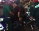 """Tạm đình chỉ 6 dân quân tự vệ đánh """"hội đồng"""" nhóm thanh niên"""