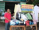 """Ấm áp với """"shop"""" đồ dành cho người nghèo"""