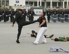 Màn biểu diễn võ thuật, bắn súng của Cảnh sát cơ động Hà Nội