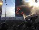 Ngôi nhà 7 tầng cháy ngùn ngụt, nhiều tỷ đồng ra tro