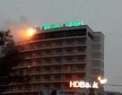 Khách sạn Hoàng Anh Gia Lai bị cháy biển trong mưa
