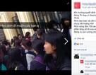Nhà trường lên tiếng vụ học sinh đứng ngoài vì trường đóng cửa