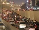 Đường phố Hà Nội kẹt cứng trong đêm Noel