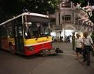 Xe buýt gây tai nạn liên hoàn cạnh Hồ Gươm, 1 phụ nữ tử vong