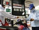 Giá xăng tăng hơn 200 đồng mỗi lít