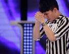 Thí sinh Vietnam Idol quỳ gối xin ban giám khảo hát tiếp!