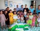Bạn đọc Dân trí tặng quà đến chùa Kim Sơn, Kim Quang và Quang Châu