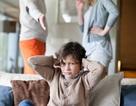 Ứng xử với con khi bố mẹ li hôn