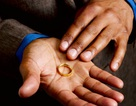 Chồng ngoại tình 10 năm vợ không biết
