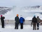 """Kinh ngạc ngọn thác hùng vĩ Niagara """"đông cứng"""" trong giá lạnh"""