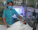 Đã cứu được đôi mắt của bé út trong ca sinh 4