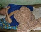 Bà cụ 85 tuổi đang ngủ bị cướp vàng