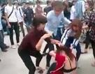 Cô gái bị nhóm nữ sinh đánh, lột trần giữa đường phố Hạ Long 1
