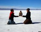 Ngỡ ngàng trước vẻ đẹp của cánh đồng muối lớn nhất thế giới