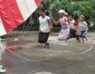 Trả tuổi thơ cho con bằng hát ru, đọc truyện, về quê