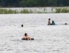 Ngứa sau khi đi bơi ở hồ tự nhiên