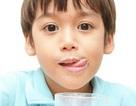 Làm gì để trẻ thích uống sữa?