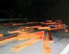 Đối tượng chở gỗ lậu tông công an xuống mương ra đầu thú