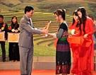 111 học sinh dân tộc thiểu số thành tích cao được khen thưởng