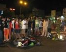 Xe máy đấu đầu trong đêm, 2 người bị thương nặng