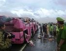 Xe khách lật, 1 người chết, 14 người bị thương