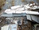 Đào móng làm sập tường nhà dân, 4 công nhân bị thương