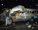 Xe khách tông xe du lịch, 15 người nhập viện