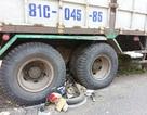 Xe tải mất lái, lao vào đoàn người dừng đèn đỏ