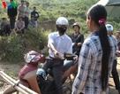 """Người dân tự lập gác chắn thu phí ở Lào Cai: Chính quyền """"bó tay""""?"""