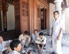 Doanh nhân xây chùa, tụng kinh