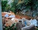 Khối đá khổng lồ đổ ập xuống nhà dân