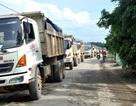 Bức xúc vì ô nhiễm môi trường, dân hò nhau chặn xe tải