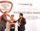 """HSBC đồng hành với Techcombank trong chương trình """"Khăn đỏ đến trường"""""""