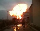 """Clip: """"Quả bom gas"""" phát nổ kinh hoàng ở khu công nghiệp Khai Sơn"""