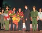"""Thủ tướng Nguyễn Tấn Dũng xem vở kịch """"Lời thề thứ chín"""""""