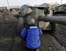 Các bên tại Ukraine tranh cãi về việc rút vũ khí hạng nặng