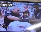 Cảnh sát New York đấm, phang người túi bụi