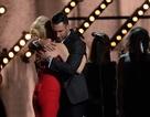 Gwen Stefani dịu dàng, ngọt ngào bên Adam Levine