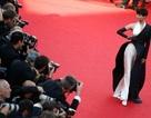 Giọng ca nổi tiếng Trung Quốc diện đồ 'độc' tới Cannes