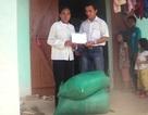 Trao 100kg gạo đến chị Đinh Thị Duyên