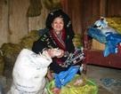 """Cụ bà 95 tuổi, 70 năm gắn với """"nghiệp phòng the"""""""