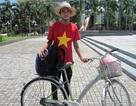 Chàng tân sinh viên đạp xe xuyên Việt vì trẻ em nghèo