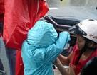 """Sài Gòn """"giải nhiệt"""" sau cơn mưa nhẹ"""