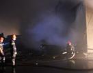 Công ty nệm mút cháy dữ dội lúc sáng sớm