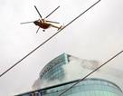 Trực thăng diễn tập cứu hộ cháy nổ cực lớn tại trung tâm Sài Gòn