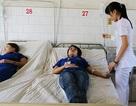 Hàng trăm công nhân nhập viện sau bữa cơm tăng ca