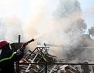 Xưởng gỗ phát hỏa, hàng trăm công nhân nháo nhào dập lửa