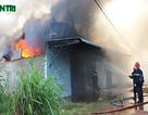 Hoả hoạn cực lớn, xưởng sản xuất túi nilon cháy rụi