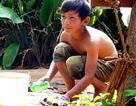 Cuộc sống lay lắt của bé 9 tuổi người K'ho nuôi mẹ trọng bệnh